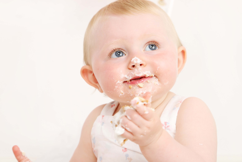 Glasgow: Baby Cake Smash Photoshoot & Print @ Caroline Anne Photography, Paisley for £9