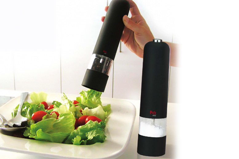 A Pair Of Electric Salt & Pepper Grinders for £9.99