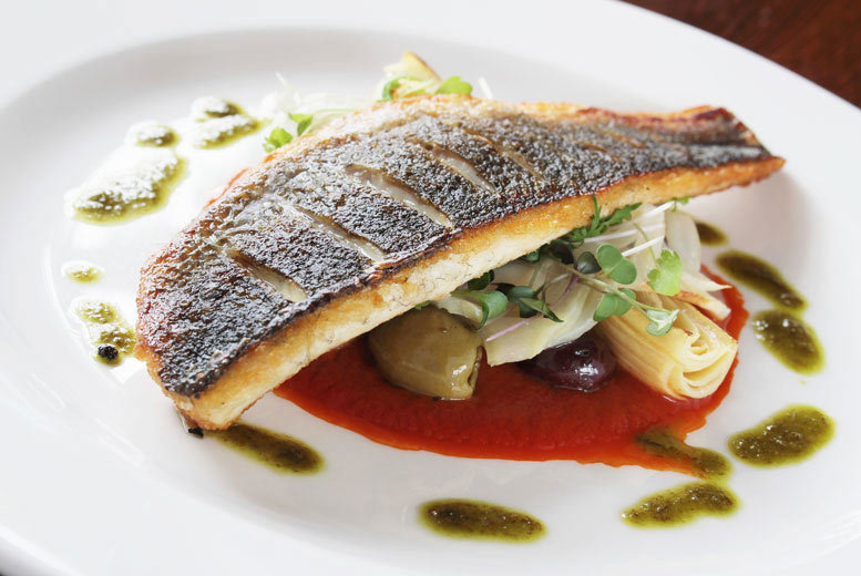 Liverpool: 2 or 3-Course Dining & Prosecco for 2 @ Hilton Hotel Liverpool from £29
