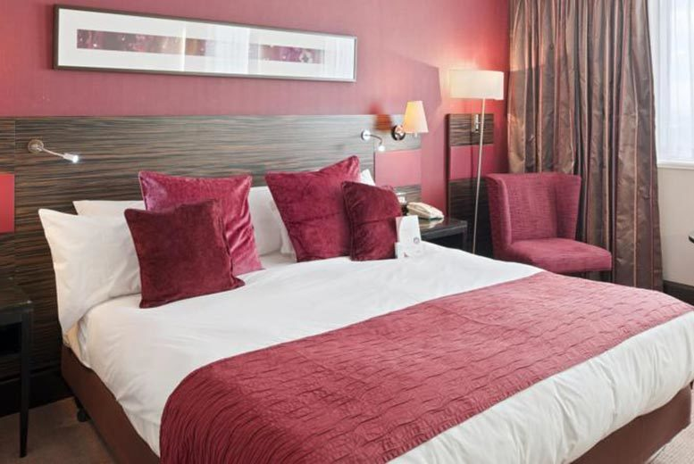 £89 for an overnight stay for 2 including a 3-course meal, breakfast, a cocktail each and late check-out, or £149 for two nights at Lorne Hotel, Glasgow - save up to 28%