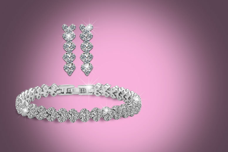 £9 instead of £99.99 (from Fakurma) for a heart tennis bracelet and earrings set - save a sparkling 91%