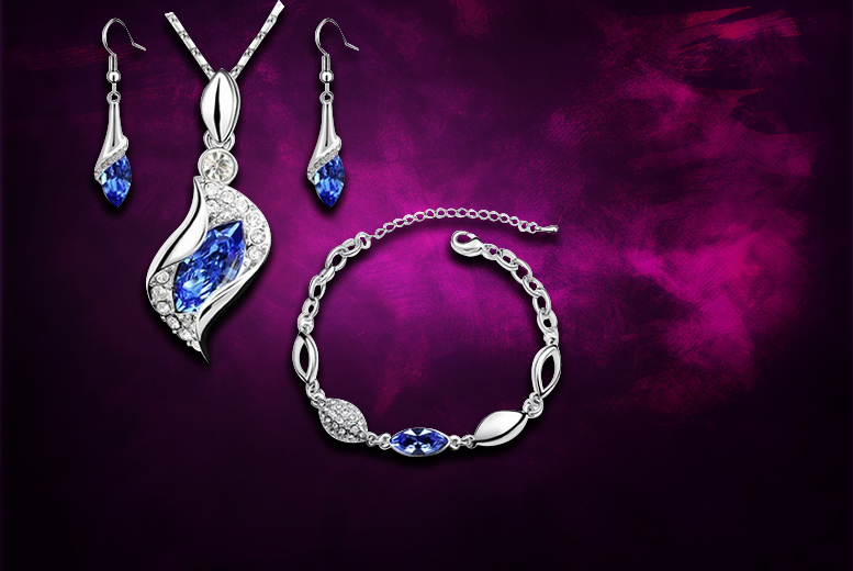 £12 instead of £149 (from Evoked Design) for a crystal jewellery tri set made with Swarovski Elements and 18ct white gold plating - save 92%