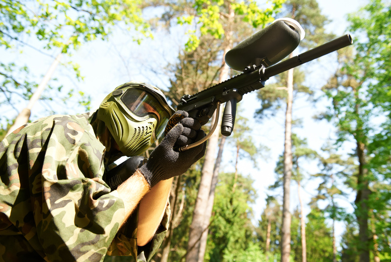 £6 for a paintballing day for five with 200 paintballs and a hot lunch each, £9 for 10 people at Paintball Park, Kidderminster - save up to 92%