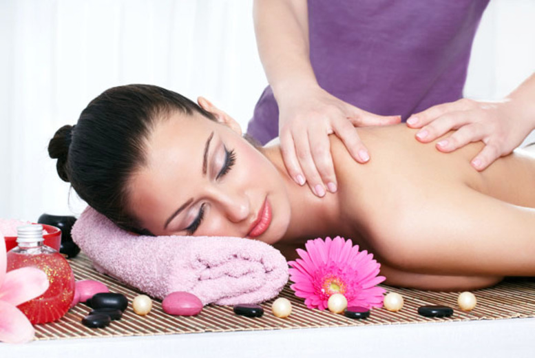 £16 instead of up to £50 for a one-hour full body massage or a choice of two 30-minute treatments at Puren Chinese Medical Centre, Islington - save up to 68%