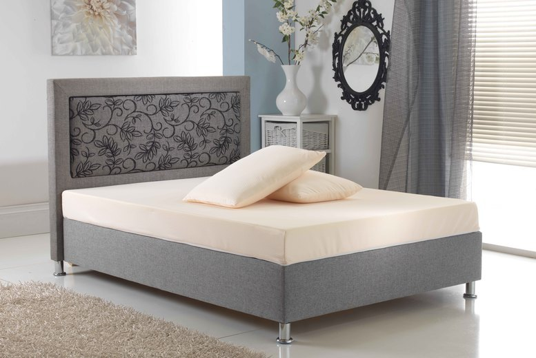 Dreamline Memory Foam Mattress With 2 Memory Foam Pillows'