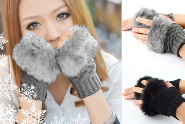 cable knit faux fur-trim gloves