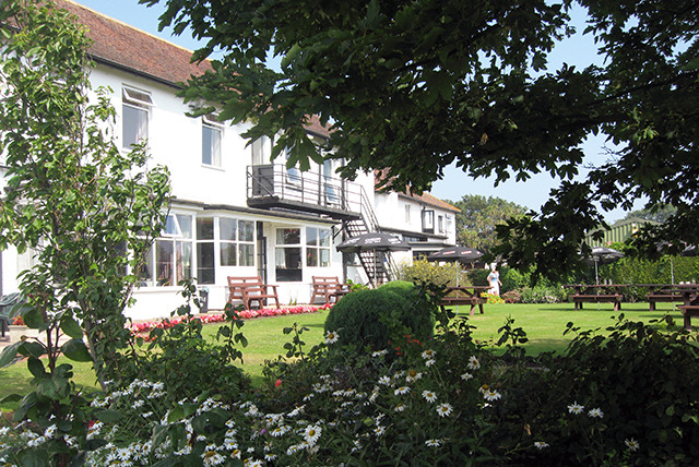 £39 instead of up to £70 (from Grange Links Hotel & Golf Club, Sutton-on-Sea) for a 1nt stay for 2 inc. breakfast, or £69 for 2nts - save up to 44%