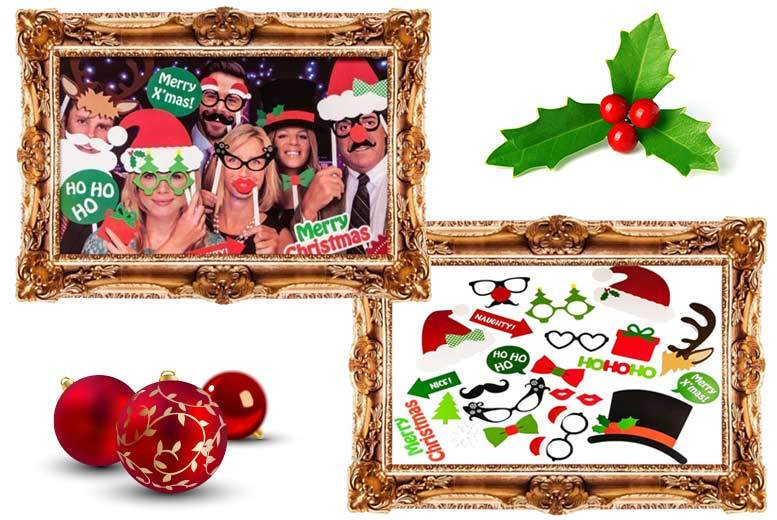 25pc Xmas Photo Booth Set for £4.99