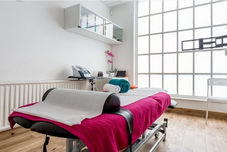 £19 for a reflexology treatment, £21 for a physiotherapy session or 45-minute massage, £24 for a 60-minute massage at CA Medical, Kings Cross - save up to 50%