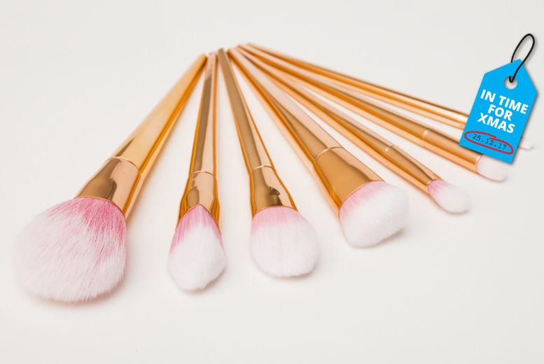 7pc Professional Makeup Brush Set for £8.99