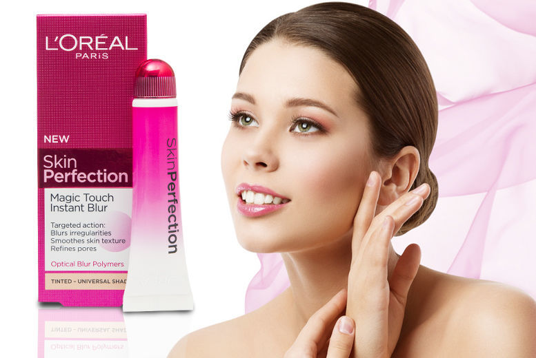 L'Oreal Paris Skin Perfection 'Magic Touch Instant Blur' for £9.99