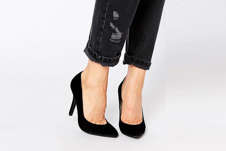 Mid Heel Velvet Court Shoes – 2 Colours! for £15