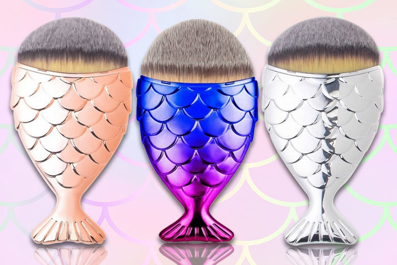 1 or 3 Mermaid Makeup Brushes – 6 Colours! from £2.99