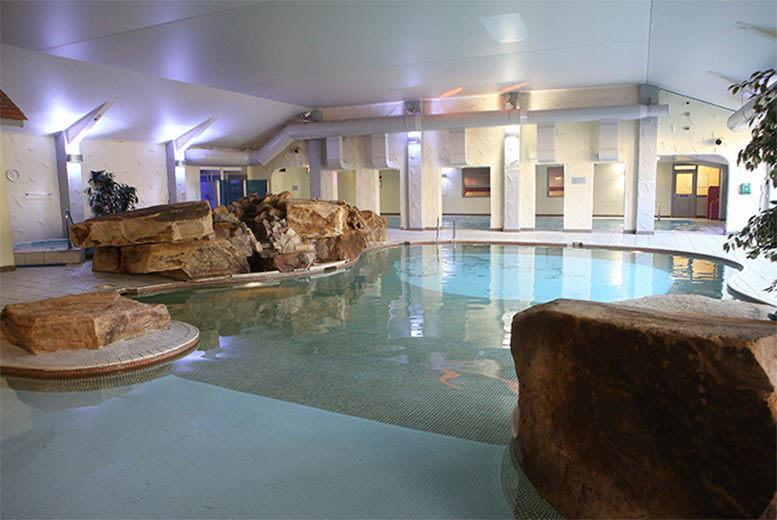 £75 (at the Best Western Park Hall) for an overnight stay for two people including a two-course dinner, Prosecco, leisure access and breakfast - save up to 38%
