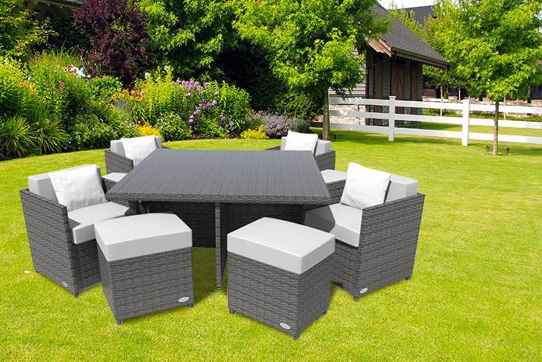 £349 instead of £1269.01 for a Napoli nine-piece rattan cube set in black or brown with white or beige cushion covers - save 72%
