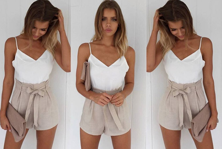 £9 instead of £39.99 (from EF Mall) for a white and beige front-tie summer playsuit - save 77%