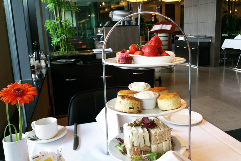 £29 instead of £80 for sparkling afternoon tea with a bottle of Prosecco for two people at Jack's Kitchen at the Holiday Inn, Kingston - save 64%
