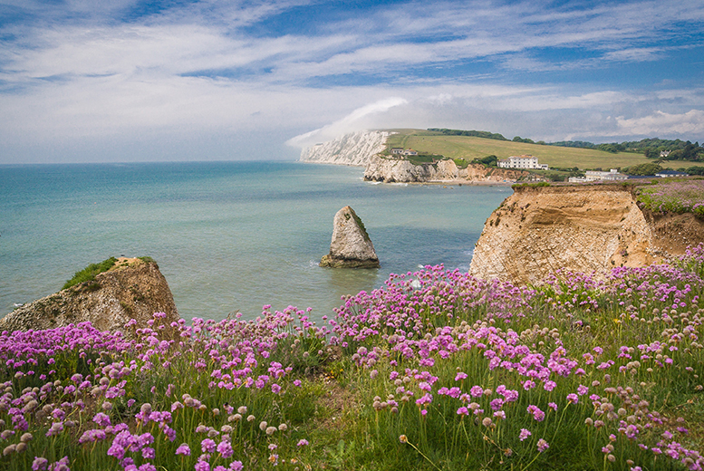 From £79 (from Island View Holidays) for a three or four-night Isle of Wight caravan break, from £99 for a three or four-night cottage break - save up to 62%