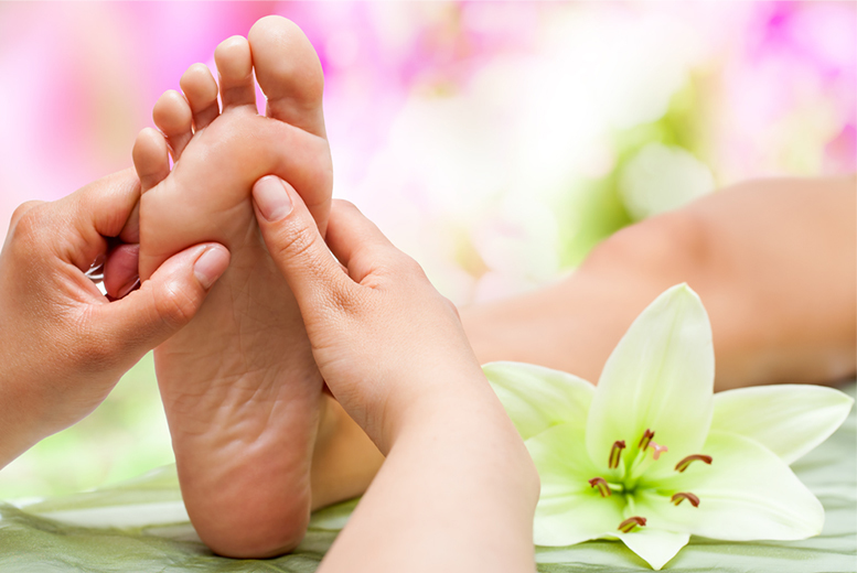 £24 instead of £330 (from Centre of Excellence) for an online reflexology diploma course - save 93%