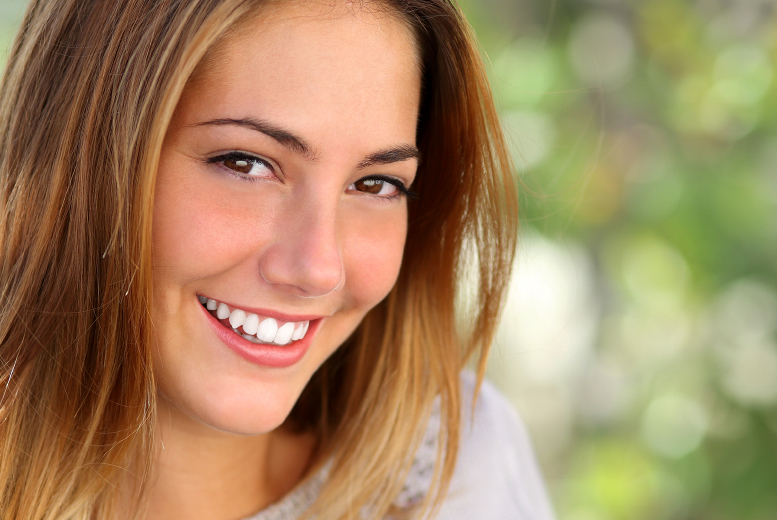 £69 for laser teeth whitening, £89 for an advanced session or £129 for a teeth whitening session each for two people at Snow Teeth Whitening, Holborn - save up to 65%