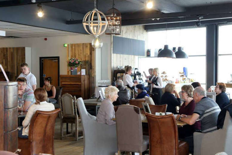 £15 for an afternoon tea for two people, £30 for four people and from £17 including Prosecco at Oak Cafe, Newcastle-Upon-Tyne - save up to 50%