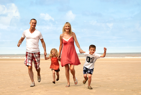 From £199 (from Pontins) for a 7nt summer school holiday family break for up to four people - choose form four great parks!