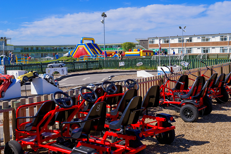 From £199 (from Pontins) for a 7nt summer school holiday family break for up to four people - choose from four great parks!