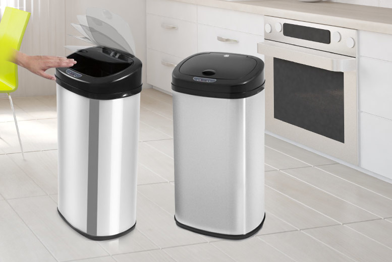£32.99 instead of up to £117.96 for a 42-litre auto-sensor bin - choose from matte or polished steel finish and save up to 72%
