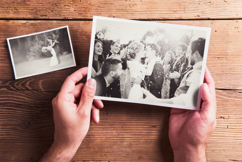 £14 instead of £45 for an online wedding photography course from OfCourse - save 69%
