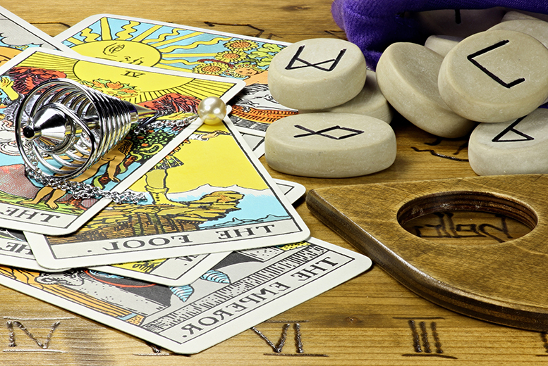£14 instead of £330 (from Centre of Excellence) for an online tarot diploma course - learn a new skill and save 96%