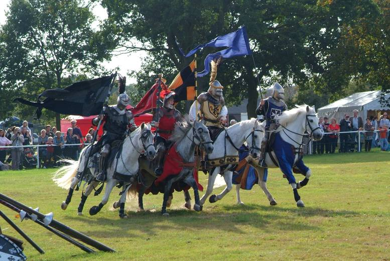£7 instead of up to £15 for two adult tickets to the Robin Hood Country Show on 8th Oct, 9th Oct, 15th Oct or 16th Oct 2016 from Aztec Events - save 53%