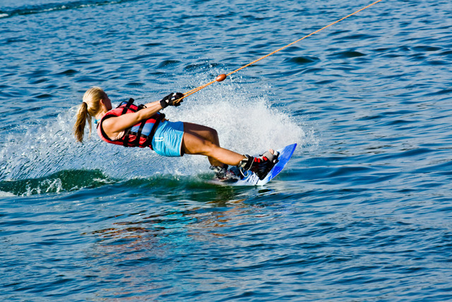 £19 instead of £39.99 for a 2-hour wakeboarding, waterskiing or kneeboarding experience for 1, or £38 for 2 people with Learn 2 Go - save up to 52%