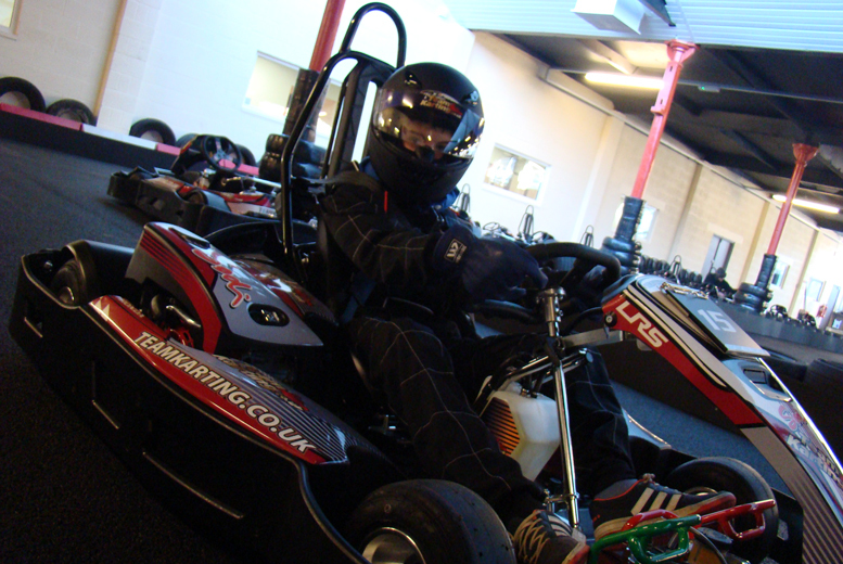£15 for a 30-minute go karting experience with 50 laps, £25 for 50 minutes with 80 laps at Team Karting, Rochdale - get your pedal to the metal and save up to 53%