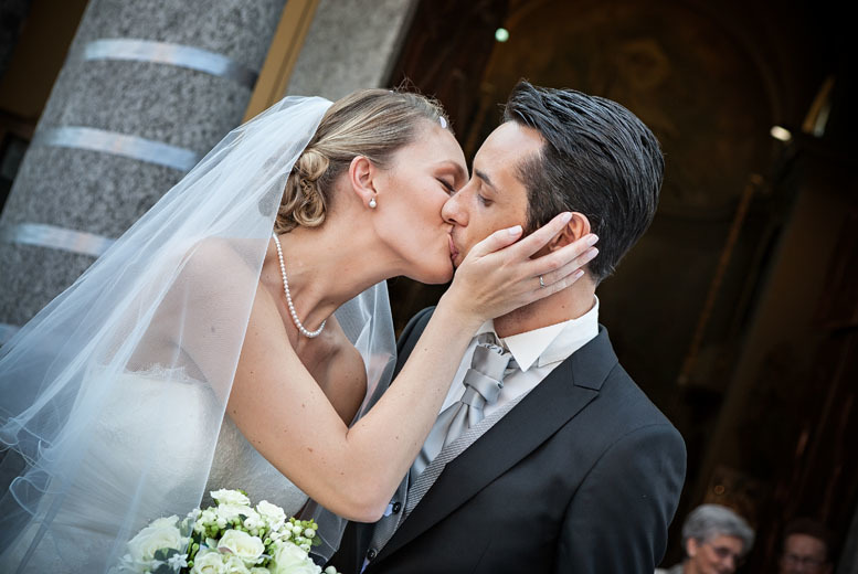 £199 for an eight-hour wedding photography package including 300 images on DVD with Focus 61 - save up to 73%