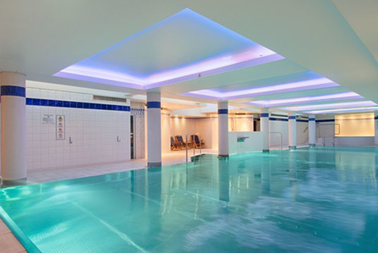 £10 instead of up to £24 for spa and leisure day pass for two people to LivingWell Hilton Hotel, Cardiff - save up to 58%