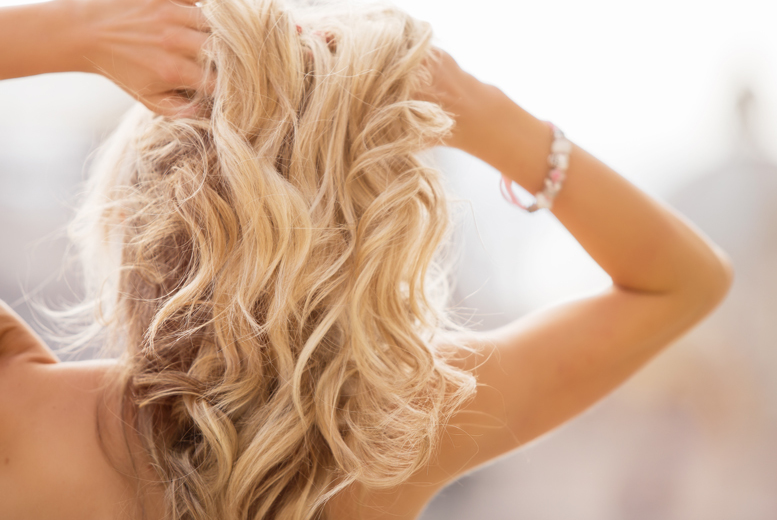 £29 for a half head of highlights, cut and blow dry, or £39 for a full head of highlights at Glamour Hair & Beauty Salon, Finsbury Park - save up to 70%