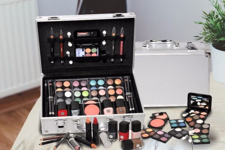 51pc Vanity Makeup Set from £14.99