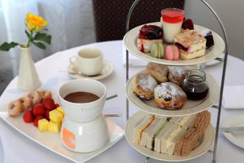 £21 for a deluxe afternoon tea for two including Pimms and chocolate fondue, £39 for four people at Best Western Grosvenor Hotel, Stratford Upon Avon - save up to 42%
