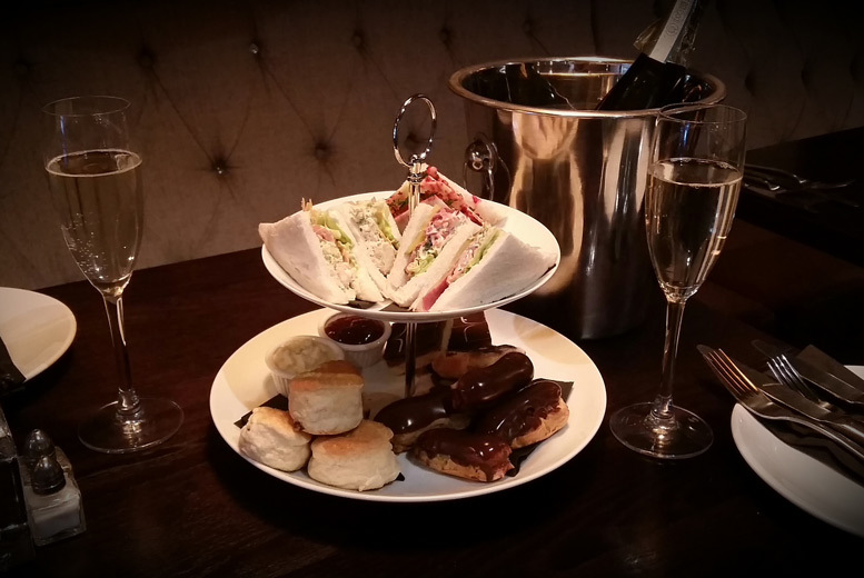 £12 instead of £27 for an afternoon tea with a glass of Prosecco for two, or £23 for four people at The Bowery Bar and Restaurant, Lanarkshire - save up to 56%