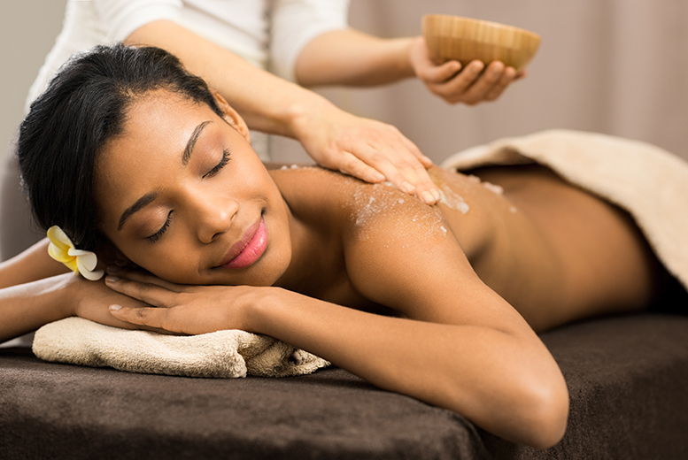 £17 for a 90-minute sparkling pamper package with up to three treatments and a glass of Prosecco at Jake Alexander Hair & Body Sanctuary - save up to 77%