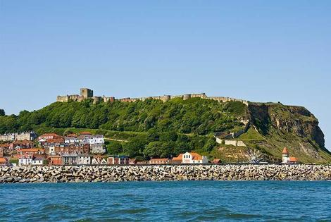 From £59 (at The Clifton Hotel) for an overnight Scarborough stay for 2, breakfast, dinner and a jug of Pimms, from £99 for 2nts plus a fruit basket - save up to 41%