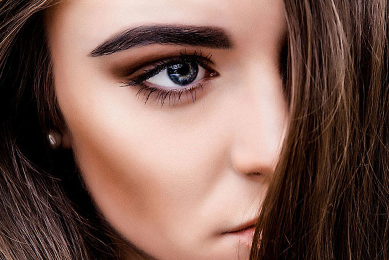 £29 for one session of semi-permanent eyebrow makeup removal treatment, £49 for two sessions at The Removal Clinic, Harley Street - save up to 81%