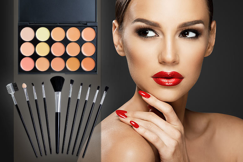 £10 instead of £92.98 (from SalonBoxed) for a contour palette in 15 shades, plus a 10-piece brush set - save 89%