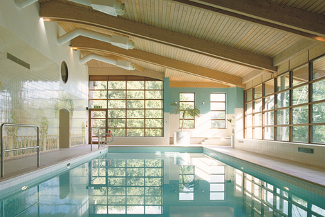 £99 (at Denham Grove) for a Buckinghamshire stay for two people including dinner, wine, breakfast, leisure access and late check-out - save up to 39%