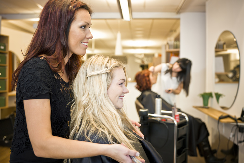 £19 for a full-day hair extensions course with Hair Systems Manchester%