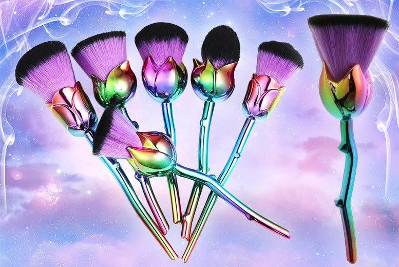 6pc Beauty and the Beast-Inspired Rose Makeup Brushes – 2 Colours! for £7.99