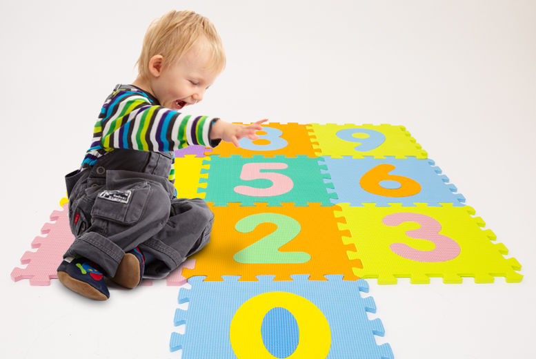 Puzzle Play Mat – Letters or Numbers! for £7.99