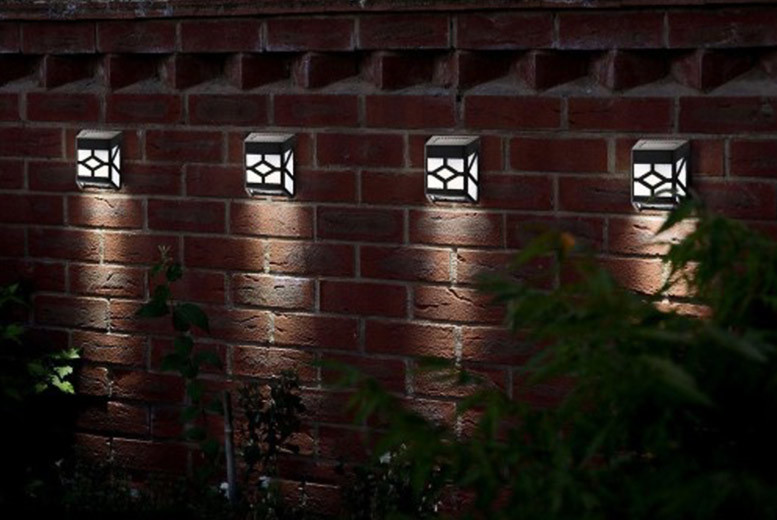 2, 4, 6 or 8 Tiffany-Style Solar Fence Lights from £6.99