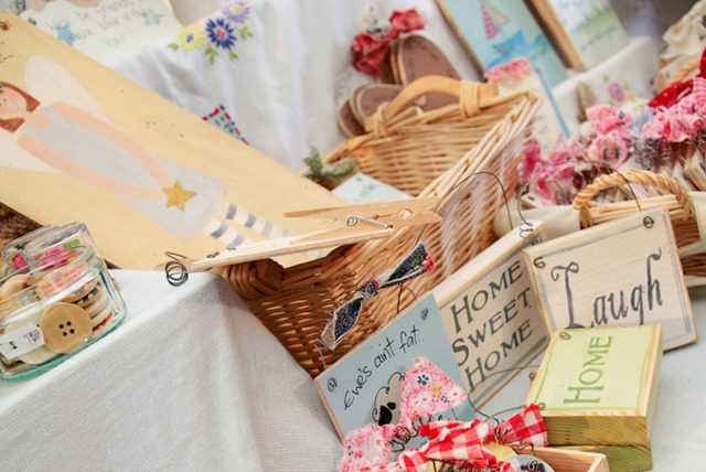 £5 instead of £10 for entry for 2 adults & 2 children to the Chilterns Craft & Design show at Stonor Park, Henley-on-Thames - save 50%