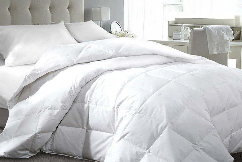 13.5 & 15 Tog Hotel Quality Duck & Down Duvet – 4 Sizes! from £19.99